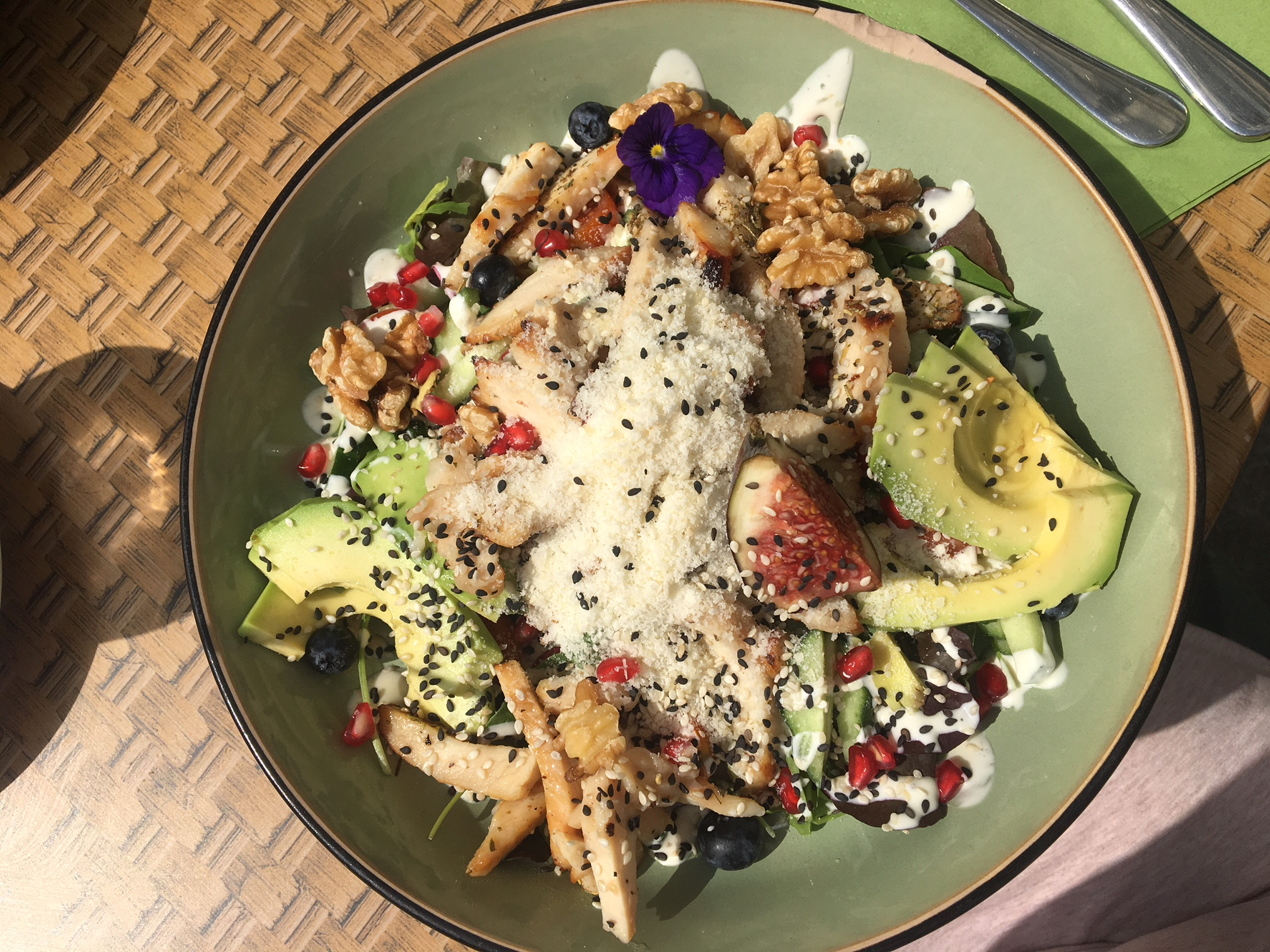 Ceasar salad bij Charlie's in Antwerpen.